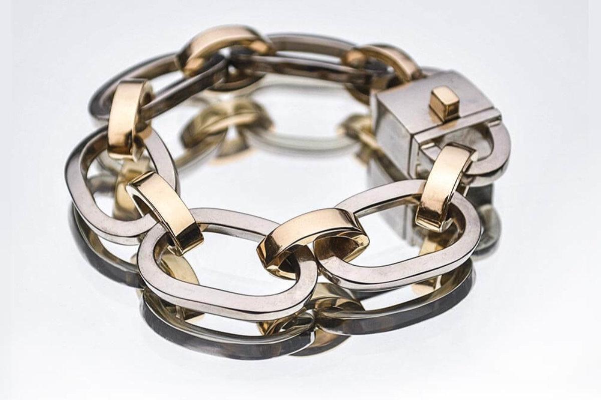 Ett unikt smycke after din egen stil